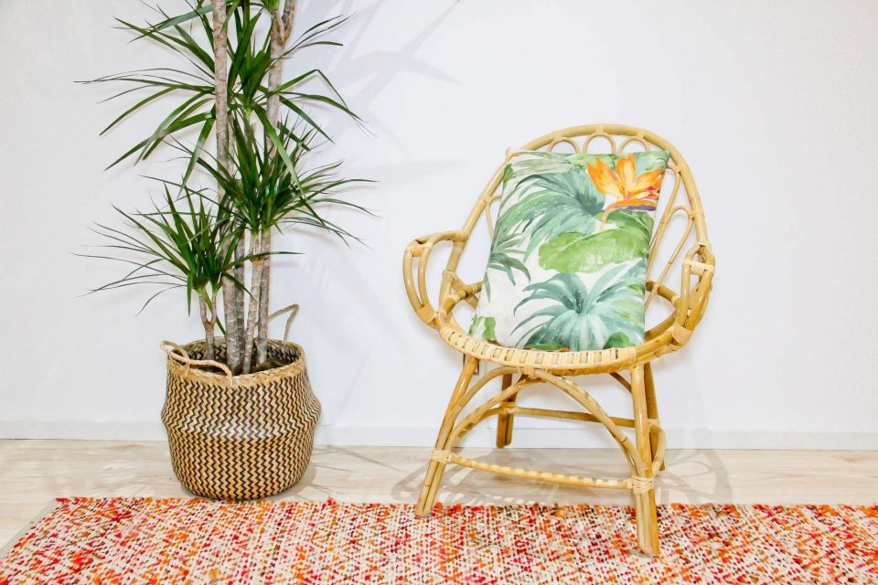 Produto: PEAR ARMCHAIRCaracterísticas: cadeira de braços em bamboo natural Referência: U-MB4000
